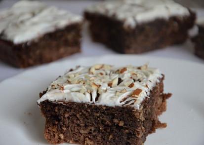 Karobový koláč s cuketou