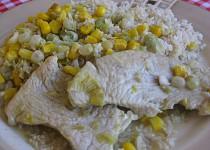 Krůtí plátky s hráškem a kukuřicí