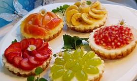 Ovocné a čokoládové mini koláčky