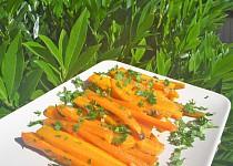 Pečená česneková mrkev