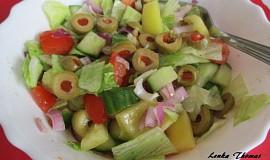 Rychlý salát s olivami