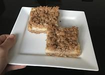Špaldový koláč s pudinkem a jablky