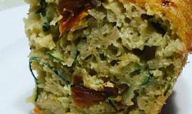 Cuketový nákyp s olivami a sušenými rajčaty
