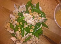 Salát z cukrového hrášku a hub