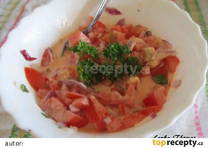 Rajčatový salát se smetanou