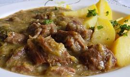 Vepřové nebo hovězí maso v kapustě