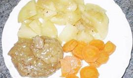 Krkovička na česneku s dušenou mrkví