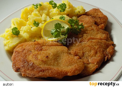 Marinovaná smažená krůtí játra s třepanými brambory