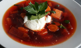Polévka z červené řepy a zeleniny  (bez tuku)