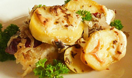 Zapečené zelí s bramborem a uzeným