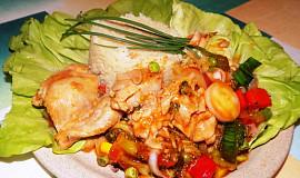 Zeleninová pánev s kuřecím masem
