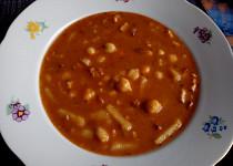Cizrnová polévka se slaninou