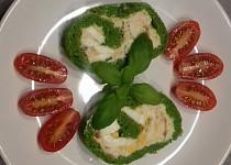 Špenátová roláda se sušenými rajčaty a česnekem