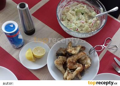 Štika s lehkým letním bramborovým salátkem