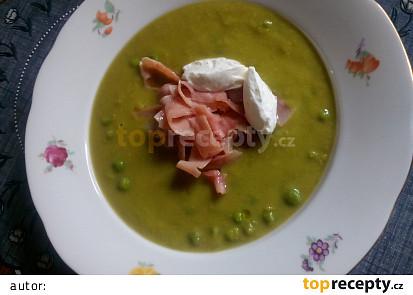 Hrášková polévka se šunkou a se smetanou