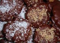 Ořechové placičky s kandovaným ovocem