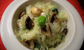 Salát z křenového zelí se žampiony