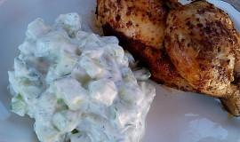 Skyr- okurkový salát