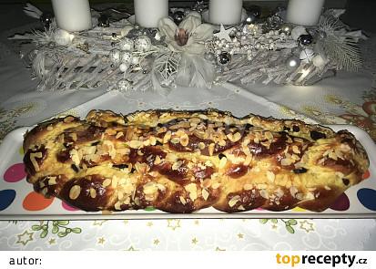 Domácí máslová vánočka