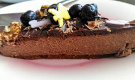 Nepečený čokoládovo-karamelový cheesecake