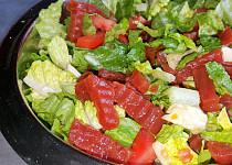 Salát se sterilovanou červenou řepou