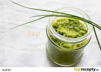Domácí zelená kari pasta