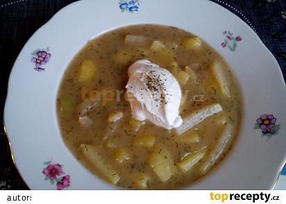 Kedlubnová polévka (nejen) s bramborem