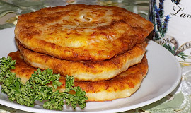 Kefírové placičky se šunkou a sýrem