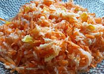 Mrkvový salát s pekingským zelím a pomerančem
