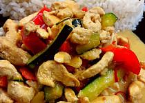 Ostré kuřecí maso se zeleninou