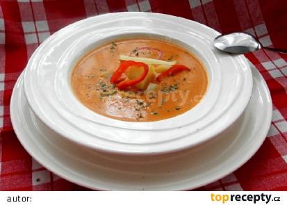 Polévka z červených paprik se smetanou