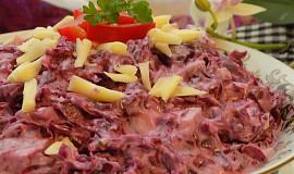 Salát z červeného sterilovaného zelí