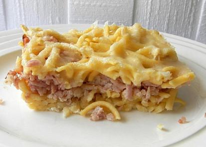 Špecle zapečené se šunkou a sýrem