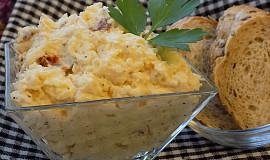 Celerová pomazánka se sýrem a sušenými rajčaty