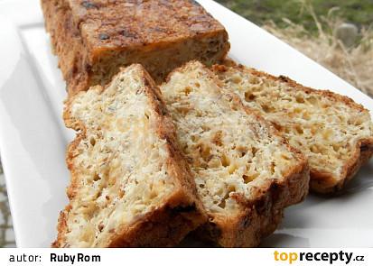 Cibulový chlebíček se sýrem (bez mouky)