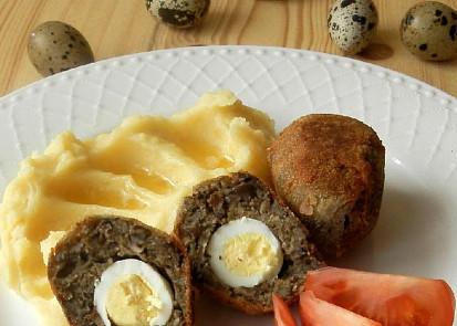 Houbová skotská vejce s křepelčími vajíčky