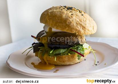 Portobello burger se ztraceným vejcem a avokádem
