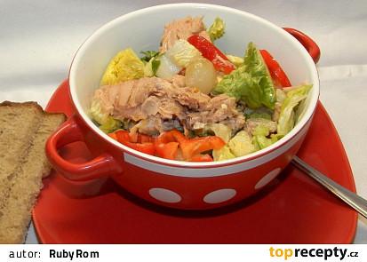 Tuňákový salát se zeleninou
