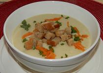 Fenyklová polévka zahuštěná hraškou