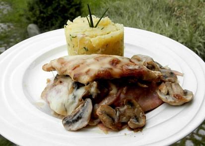 Pražské kuře s omáčkou mornay