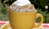 Sněhový dezert vařený v hrníčku