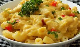 Těstoviny v omáčce z kořenové zeleniny a sýru