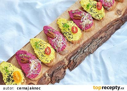 Veganské chlebíčky s řepovou pomazánkou