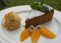 Pomerančový dort s pomerančovou zmrzlinou