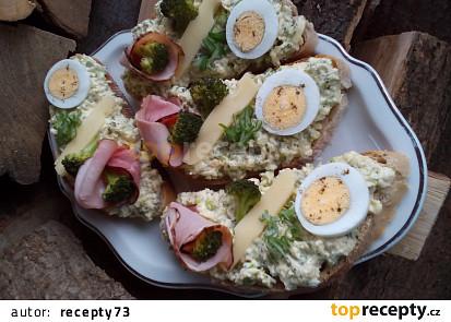 Brokolicová pomazánka (nejen) s vejci