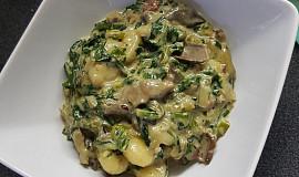 Gnocchi s listovým špenátem a houbovou omáčkou