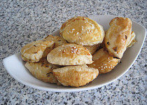 Kapsičky s balkánským sýrem a žampionovou nádivkou