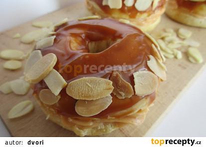 Karamelové donuty