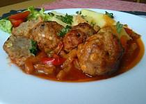 Kouličky z mletého masa pečené v domácím leču