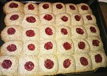 Makové koláčky s rybízovou marmeládou